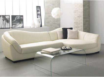 Ý tưởng trang trí phòng khách với màu kem khi mua sofa da tphcm