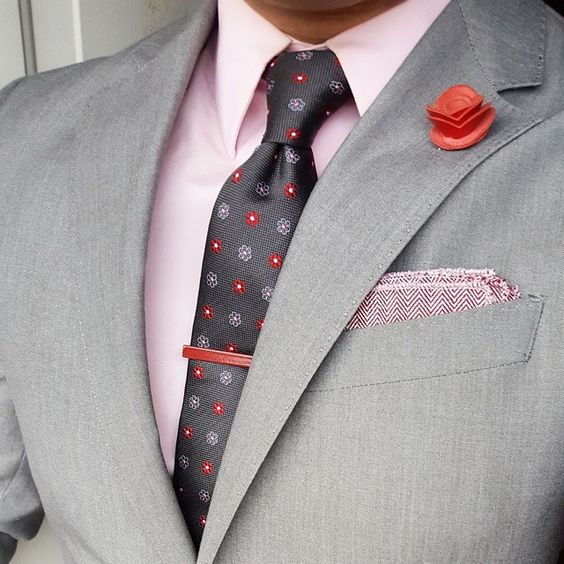 Don't you wish you had enough options to accessorize your gorgeous suits so that you always look fresh and novel stepping out of the house? So that the perfect off the rack or bepsoke suit you paid strong dollar no longer seems like a uniform? The Dark Knot's Tie and Pocket Square of the Month Club is your perfect solution. With a Free Style Consultation (typically valued at $500), we will help you choose ties and pocket squares based on your existing wardrobe, planned wardrobe purchases and lif