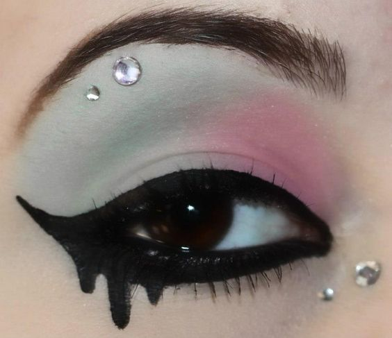 Not the shadow but I love this idea for eyeliner! Makeup