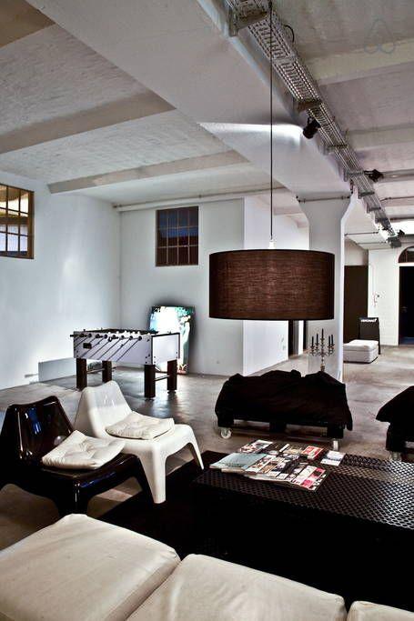 이렇게 멋진 에어비앤비 숙소를 확인해보세요: STORAGE APARTMENT URBAN - 베를린의 아파트 대여 가능