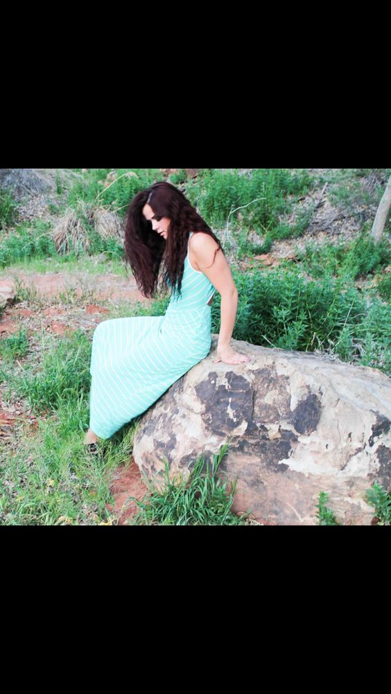 Cutesy Frame Photography brunette model dress outdoor photography