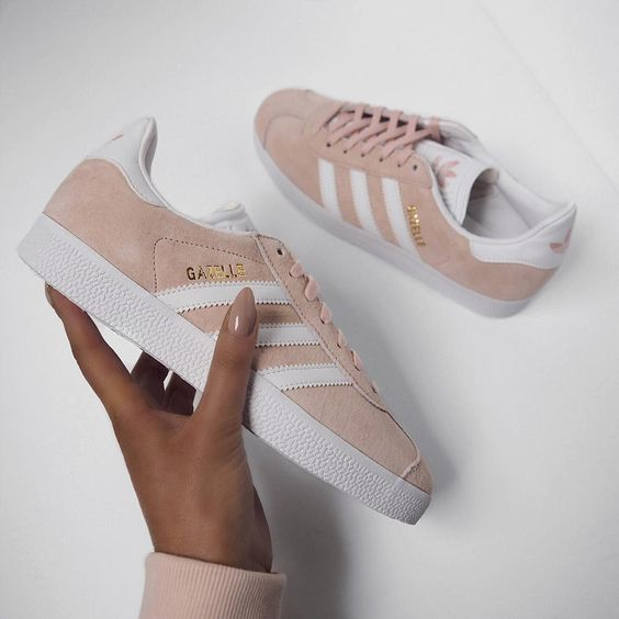 Sneakers femme - Adidas Gazelle light pink (©honeybelleworldblog)