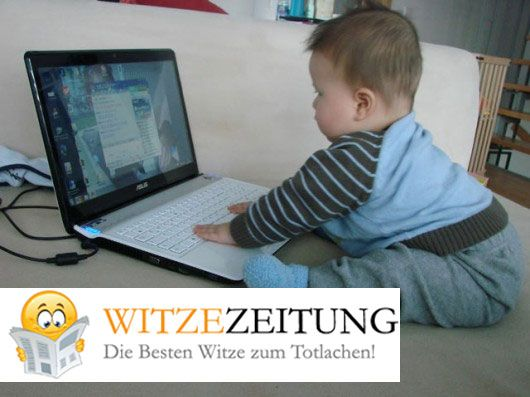 Baby mit Computer - Baby with laptop