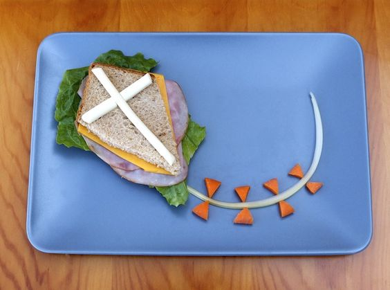 Kite sandwich idea...For more ideas for school lunches visit http://school-lunch-ideas.net