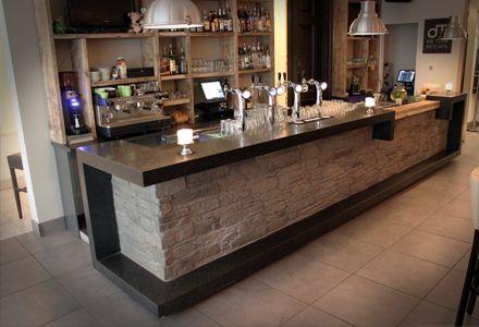 Bar steigerhout baksteen huisstijl pure food cafe pinterest bar - Buitenste stenen bar ...