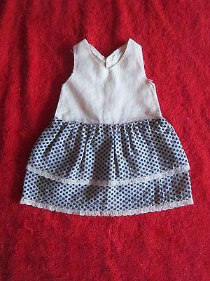 Schoene-alte-Puppenkleidung-Sehr-schoenes-Kleid-mit-Stufenrock