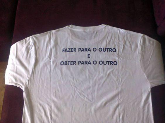 T-Shirt MAGOS Preço: 20€ (Disponível em cor Branca e Azul, e tamanhos S, M, L e XL)  O valor líquido da venda reverte integralmente para a nossa causa. http://amagos.org/merchandising-solidario/