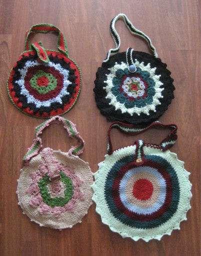 Lote de bolsos hechos a ganchillo  Caracteristicas:  - nuevos (no de segunda mano) - confec ..  http://leon-city.evisos.es/lote-de-bolsos-hechos-a-ganchillo-id-618409