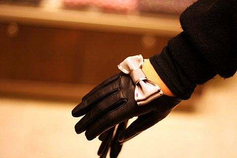 perfect gloves: tough with a girly touch