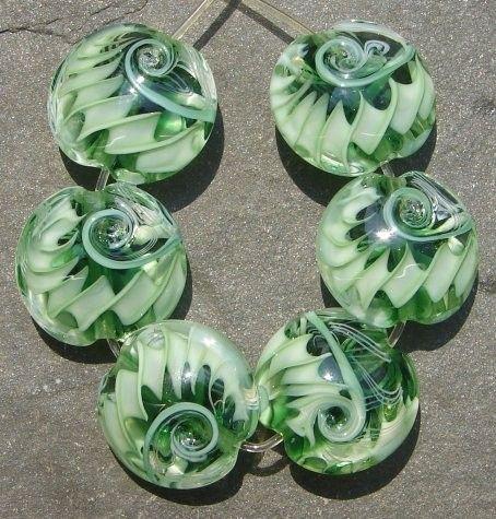 Lampwork beads 132e (6) Lentils GREEN