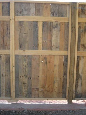 Pinterest the world s catalog of ideas for Wood pallet fence plans
