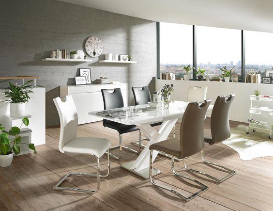 Extravanaganter Esstisch mit X-Beinen - alles andere als - wellmann küchen qualität