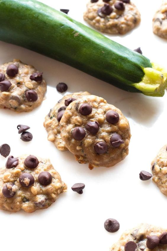 Gluten-Free Zucchini Oatmeal Cookies | I'd probably make a couple of healthy subsitutes for the lunch box with these ones. www.grainchanger.com