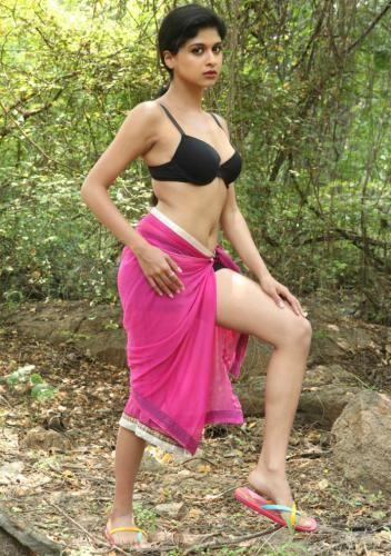 Ram Gopal Varmau0026#39;s film Ice Cream 2 actress Naveena : hindi ...