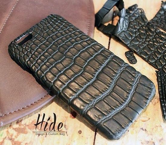 Custom Iphone 6s Alligator Case   By:Hide  #leathercraft #leathercase #leathergoods #leather #case #iphoneonly #iphone6 by hideleather #tailrs