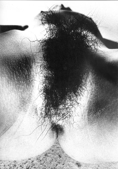 Nobuyoshi Araki, from the Erotos Series on ArtStack #nobuyoshi-araki-huang-mu-jing-wei #art: