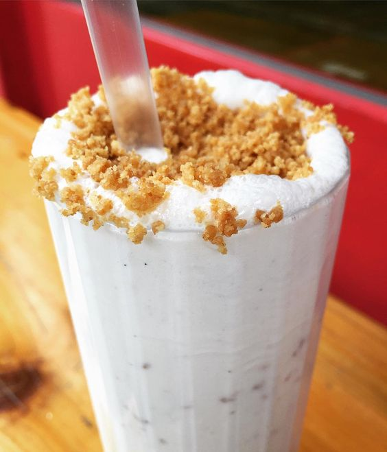 Lemon Cheesecake Milkshake - Patty & Bun