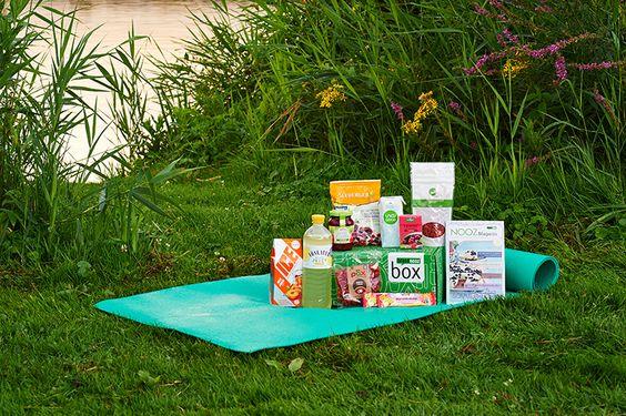 Die Feel-Good-Box für alle! Die diesjährige Vital Box ist auch dieses Mal wieder vollgepackt mit leckeren und natürlich besonders gesunden und bekömmlichen Produkten - für einen unbefangenen Genuss ohne schlechtes Gewissen.
