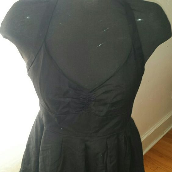 J Crew Halter Dress sz 14  NWOT Sweet J Crew Dress Halter with a sweetheart neckline. 100% cotton and lined. Very pretty flattering style never worn. Sorry my pictures of blsck items are the best have not mastered it yet. J. Crew Dresses Midi