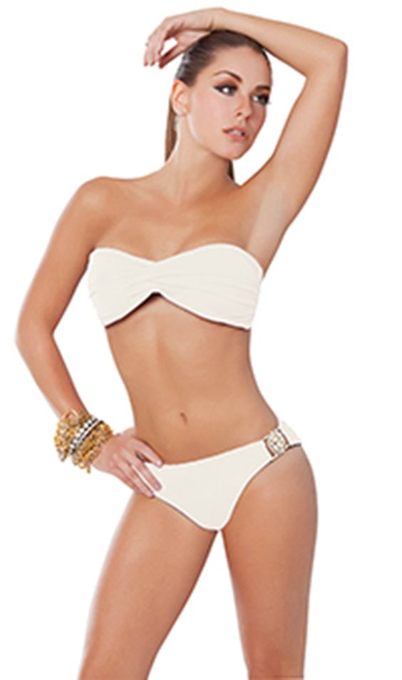 Amazing twist Bandeau Bikini. At the front: glimmering gold plated lion hardware, a light padding for subtle shaping and coverage, removable halter strap.