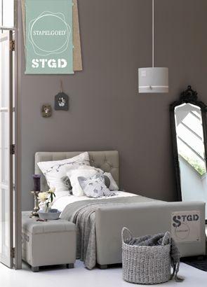 Stapelgoed bedden voor peuters tieners en jong volwassenen met leuke bijpassende lampen for Slaapkamer decoratie voor volwassenen