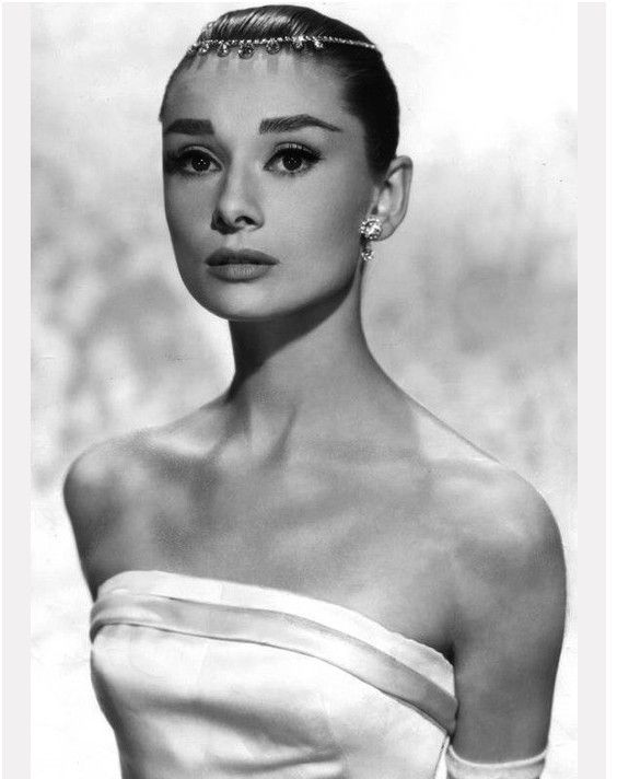Headpieces, vintage : Audrey Hepburn in Funny Face, wearing Givenchy.