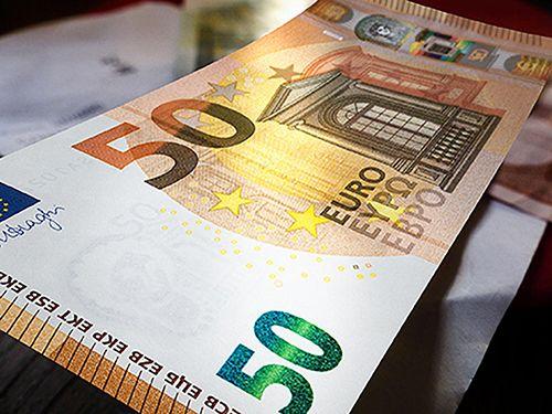 Kampf gegen Falschgeld: Das ist der neue 50-Euro-Schein. Lesen Sie dazu den aktuellen Beitrag mit einem Video der ECB hier: http://der-seniorenblog.de/produkte-senioren/verbraucherinfos-sonderangebote/ .Bild: ECB