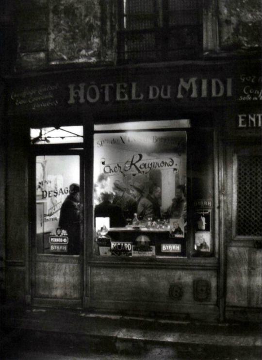 Soirée chez Raymond à l'Hôtel du Midi,  Mouffetard  -  Paris, 1955