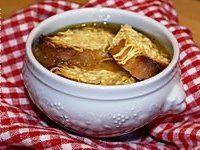 Gratinée au madère - Recette de gratinée au madère (soupe à l'oignon lyonnaise)