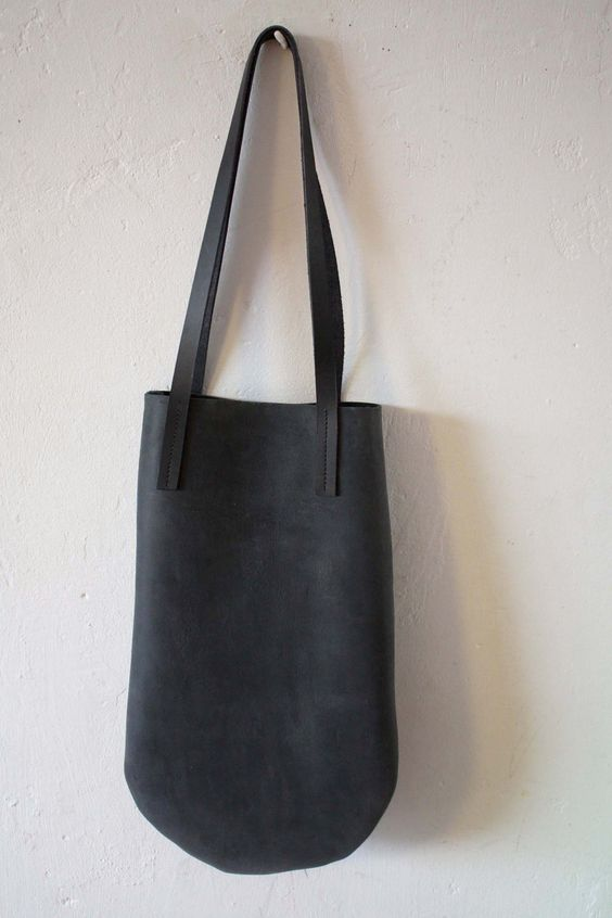 handmade basic leather tote. yes.
