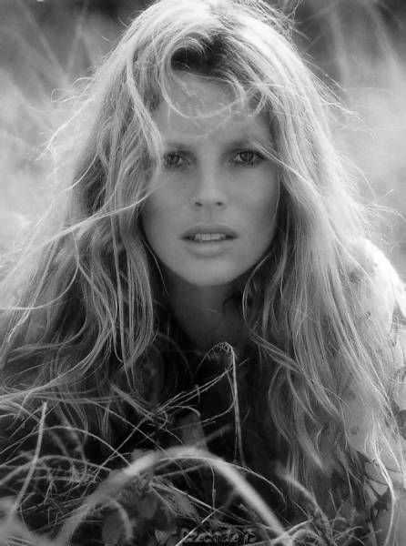 Kim Basinger look-a-like