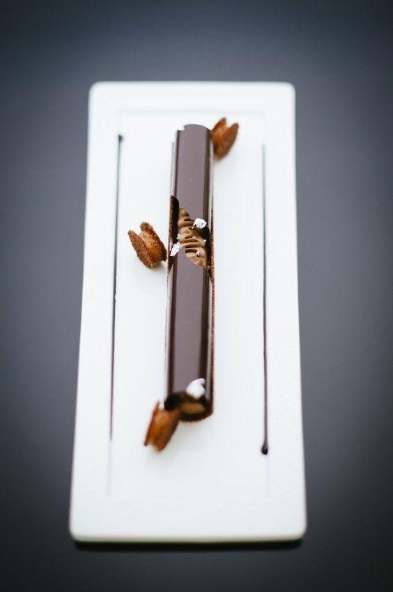 Chocolat sura de L'Île de Java dans un tube en jeux de textures - François Perret, Shangri-La Par