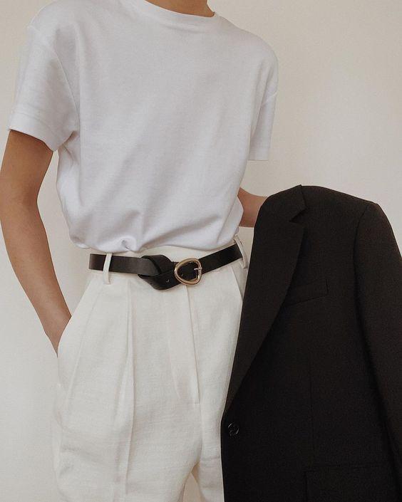 Простая футболка в гардеробе 2020: как выбрать, с чем носить (обзор) Photo: @modedamour #белая футболка - VictoriaLunina.com