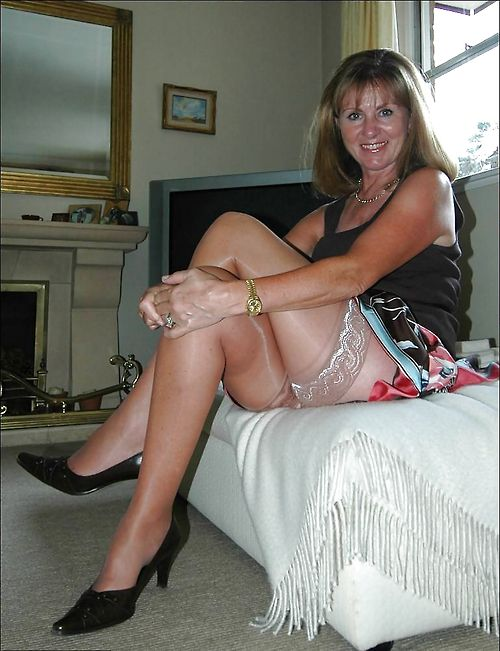 Happy Naked Mature Moms 6