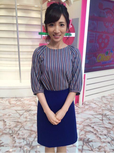 内田敦子ネイビーでまとめたセンスいいファッション