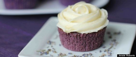 RECIPE - Lavender Cupcakes with Honey Frosting (Source : http://www.huffingtonpost.com/jessie-roberts/lavender-cupcakes-with-ho_b_1819019.html) #cupcakes #lavender #honey