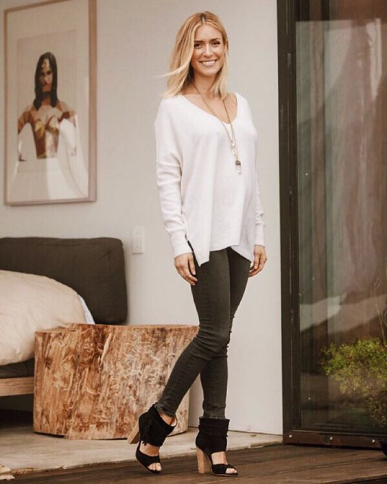 Kristin Cavallari.. Minnie Rose Cashmere Super Luxe Sweater, and Chinese Laundry by Kristin Cavallari Leigh 2 Booties.. #stylethebump: