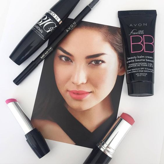 We love the no-makeup makeup look paired with a pretty pink lip! #AvonMakeup
