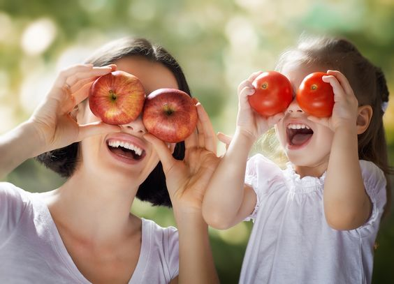 5 Ways to Trick Your Kids Into Eating Vegetables: Making kids eat vegetables can be difficult. Hide dessert, introduce vegetables as snack replacement, bring out the fun of eating vegetables  #HealthGreatness http://healthgreatness.com/