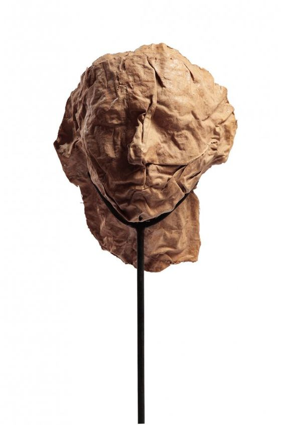 Magdalena Abakanowicz - Portret anonimowy, 2001 Paper pulp, metal rack, resin