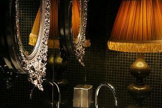 Banheiro Negro com Detalhes