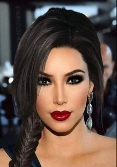 مرحبا ردا برساله In 2020 Bridal Makeup Red Lips Bridal Makeup