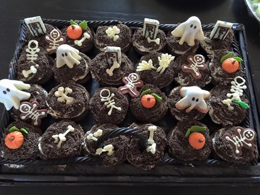 My grave yard cupcakes - cute instead of scary