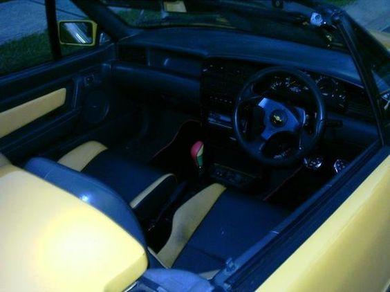 http://carphotos.cardomain.com/ride_images/1/2347/3341/5866670003_large.jpg