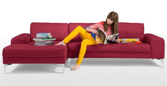 Vittorio, un canapé d'angle gauche rouge carmin | made.com