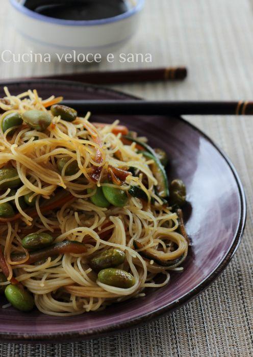 Vermicelli di riso con edamame | Cucina veloce e sana