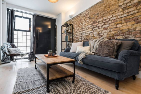 The house was an old stable that has been beautifully converted into a contemporary and stylish home. There are still remnants of the house's history as the old brick wall have been kept. 2 bedrooms, designed for 5 guests.