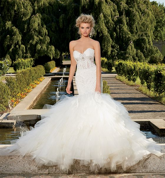 bridals by lori, based in atlanta georgia is a mega couture full service bridal salon. offering only the best North American designers like Amsale, Lazaro, Eve of Milday, Watters, Kathy Ireland, Judd Waddell, Christos, Kenneth Pool, Rivini, James Clifford, Romona Keveza and many more.
