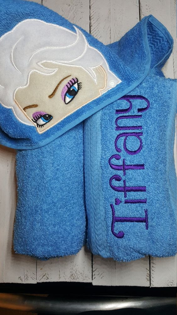 Delight your little princess with this custom made Ice Queen hooded towel. Great for bath time, pool time or even the beach!  All towels will be custom made with your childs name or initials across one side of the body of the towel. On the Ice Queen towel the name will be in purple unless otherwise noted.   In note to seller please add choice of name. Please verify spelling of name. I do not refund personalised orders unless mistake is made on my part.   The body of the towel is a standard…