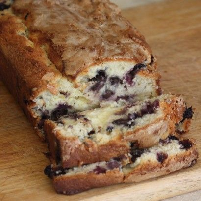 blueberry cream cheese bread. i'm drooling over here!